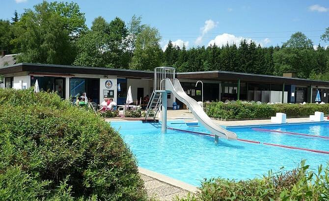 Leben in Schönwald - Schwimmbad
